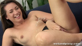 Young Carrie's cumming more than once Thumbnail