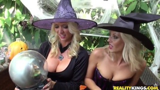 Two sexy witches Jana Cova and Molly Cavalli lick fresh pussies Thumbnail