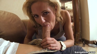 Zoe Holloway Squirts And Takes It In The Ass! Thumbnail