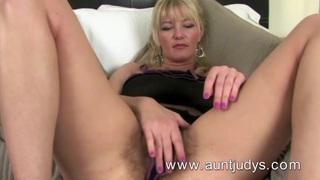 Full-bush big breasted MILF Vanessa masturbates Thumbnail