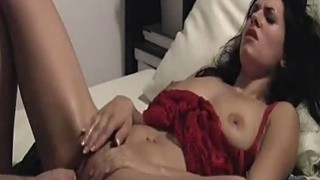 Beautiful amateur model loves being fist fucked Thumbnail