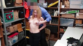 College thief Alexa Raye deserves a hot sex