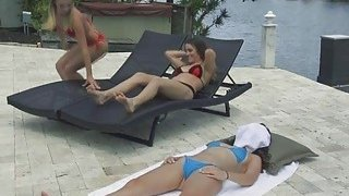 Hot threeway with bikini besties Thumbnail