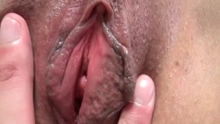 Big ass Japanese MILF gets fucked and creampied in bed Thumbnail